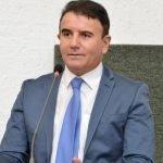 Campos Lindos recebe cestas básicas adquiridas com emendas do deputado Eduardo Siqueira